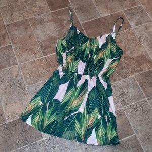 NWT Zaful women's size 4 leaf print dress